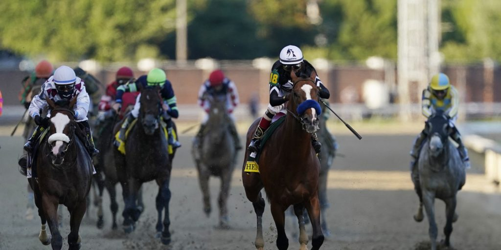 Betting Handle Low For Kentucky Derby - US Gambling Sites