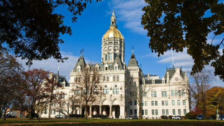 Online Casino and Sports Betting Legislation Moves Forward in Connecticut