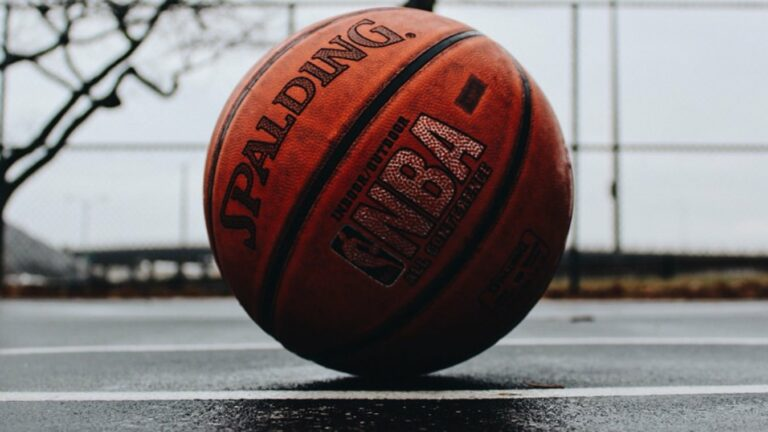 NBA Playoff Odds: Atlanta Hawks vs Milwaukee Bucks Game 5 Odds