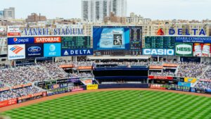 Aaron Boone Favored to Remain with Yankees to Start 2022 MLB Season